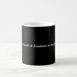 Caneca De Café Eu amo o cheiro dos zombis na manhã….
