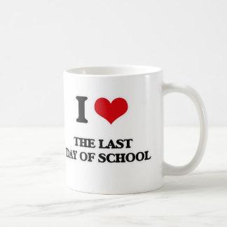 Caneca De Café Eu amo o último dia da escola