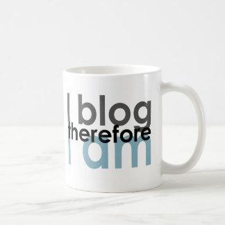 Caneca De Café Eu blogue conseqüentemente mim sou
