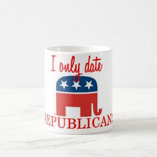 Caneca De Café Eu dato somente republicanos copo de café
