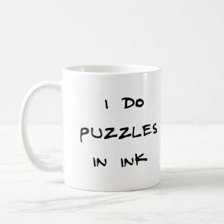Caneca De Café Eu faço quebra-cabeça na tinta