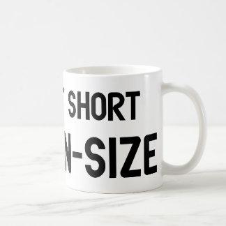Caneca De Café Eu não sou curto mim sou tamanho do divertimento