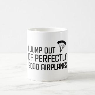 Caneca De Café Eu salto de aviões perfeitamente bons