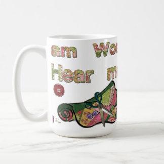 Caneca De Café Eu sou mulher ouço-me Sew
