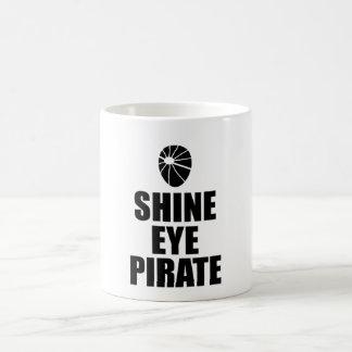 Caneca De Café Eyepatch do pirata do olho do brilho. Texto escuro