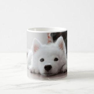 Caneca De Café Filhote de cachorro bonito do samoyed