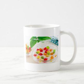 Caneca De Café Fim-acima saudável da farinha de aveia com fruta