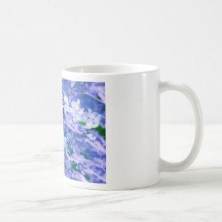 Caneca De Café Flor branca do Dogwood no azul
