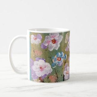 Caneca de café floral do primavera