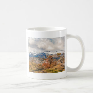 Caneca De Café Floresta e montanhas nevado, Patagonia, Argentina