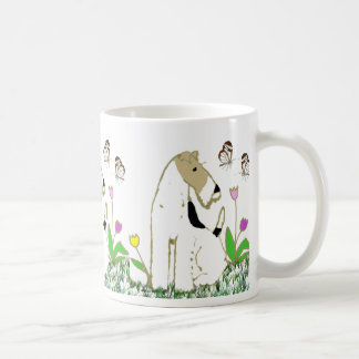 Caneca De Café Fox Terrier e borboletas do fio