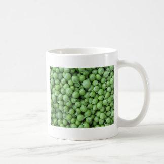 Caneca De Café Fundo da ervilha verde. Textura de ervilhas verdes