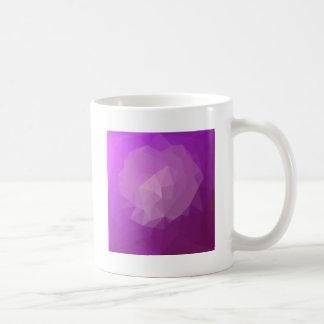 Caneca De Café Fundo do polígono do abstrato da violeta da