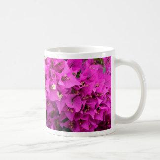 Caneca De Café Fundo fúcsia roxo do Bougainvillea