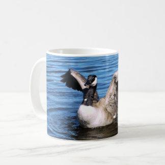 Caneca De Café Ganso de Canadá que espalha suas asas