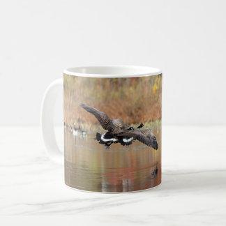 Caneca De Café Gansos de Canadá em vôo