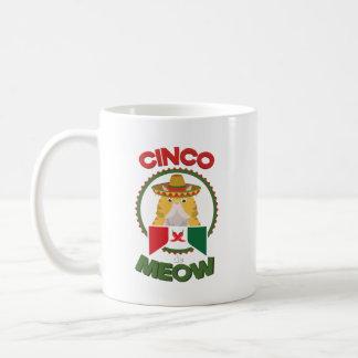 Caneca De Café Gato engraçado para o feriado do mexicano de Cinco