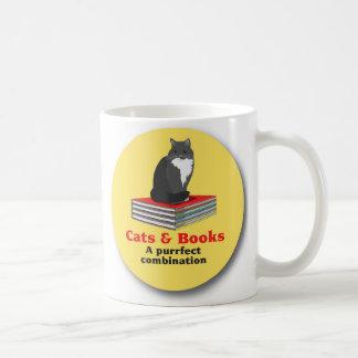Caneca De Café Gatos e livros… uma combinação do purrrfect