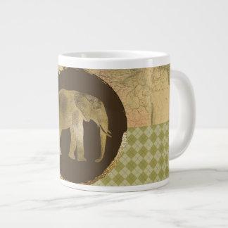 Caneca De Café Gigante Elefante africano no mapa e no Argyle