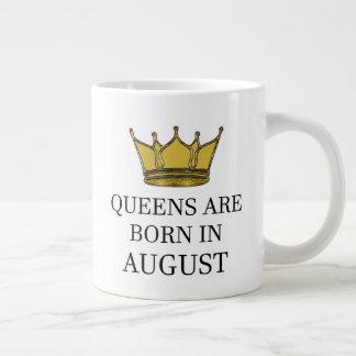 Caneca De Café Gigante O Queens é nascido em agosto