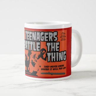 Caneca De Café Gigante Os adolescentes lutam a coisa