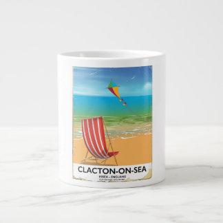 Caneca De Café Gigante poster das viagens vintage do Clacton-em-mar,