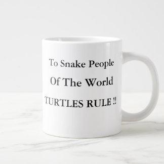 Caneca De Café Gigante Regra das tartarugas sobre cobras!