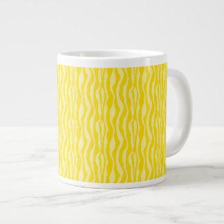 Caneca De Café Gigante Teste padrão amarelo do impressão da zebra