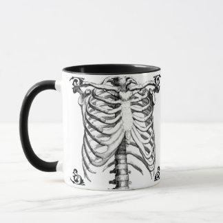 Caneca de café gótico de esqueleto de Ribcage