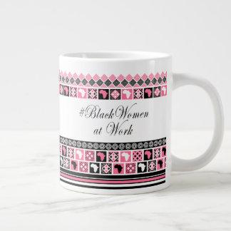Caneca De Café Grande #BlackWomanAtWork em preto, no branco e no rosa