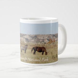 Caneca De Café Grande Cavalos selvagens do parque nacional de Theodore