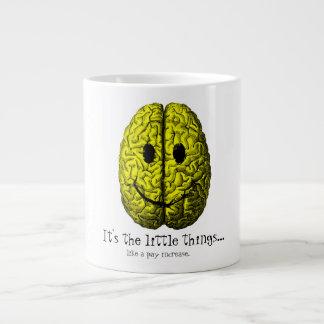 Caneca De Café Grande Cérebro feliz:  É as coisas pequenas