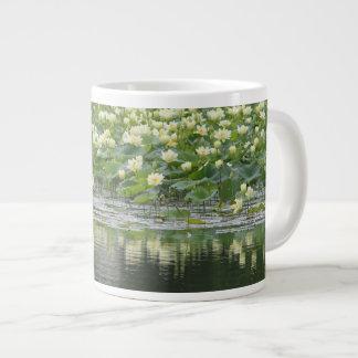 Caneca De Café Grande Design 10 do lírio de água