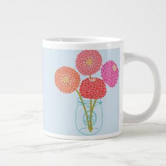 Caneca De Café Grande Flores em um frasco de pedreiro