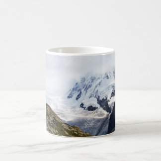 Caneca De Café Grande geleira nos cumes suíços