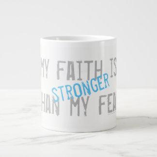 Caneca De Café Grande Minha fé é mais forte do que meu medo