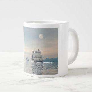 Caneca De Café Grande Navios velhos no oceano - 3D rendem