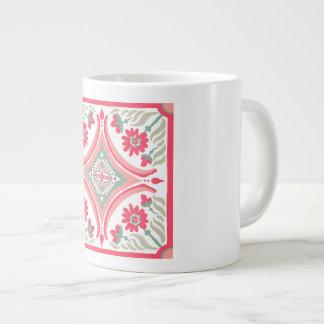 Caneca De Café Grande o Mão-desenho telha a arte floral cor-de-rosa do