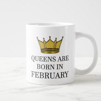 Caneca De Café Grande O Queens é nascido em fevereiro