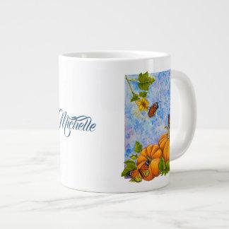 Caneca de café grande personalizada com borboletas