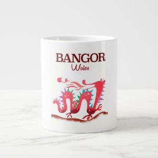 Caneca De Café Grande Poster do dragão de Bangor Wales
