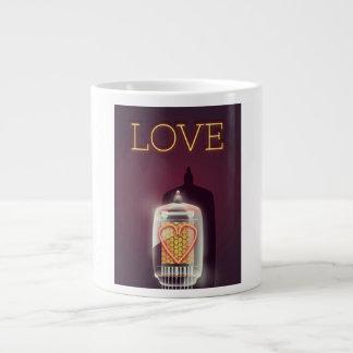 "Caneca De Café Grande Poster vintage do ""amor"" do tubo de Nixie"