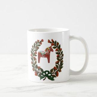 Caneca De Café Grinalda do Natal do cavalo de Dala do sueco