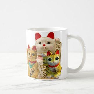 Caneca De Café Grupo de ondulação japonês dos gatos da boa sorte