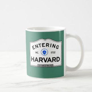 Caneca De Café Harvard entrando