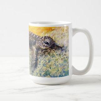 Caneca De Café Hatchling da tartaruga de mar que incorpora o surf