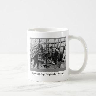Caneca De Café História da perfuração para a exploração do