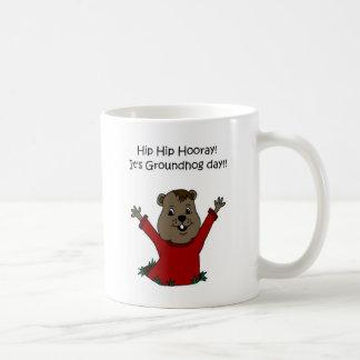 Caneca De Café hooray seu dia de Groundhog no branco