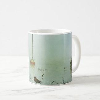 Caneca De Café Iate e pato em uma manhã enevoada