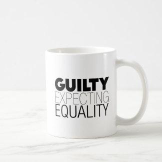 Caneca De Café Igualdade, igualdade de espera culpada, texto,
